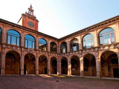 Bologna Archiginnasio e Palazzo Vassè Pietramellara